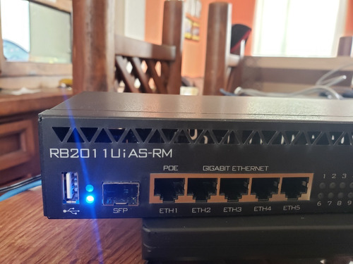 rb2011uias-rm router mikrotik 11 puertos rack licencia 5 sfp