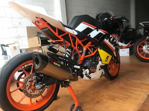 rc 390 cup race bike ktm color naranja con blanco y negro