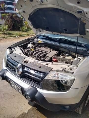 reanult duster 4x4 mecanico gasolina color gris