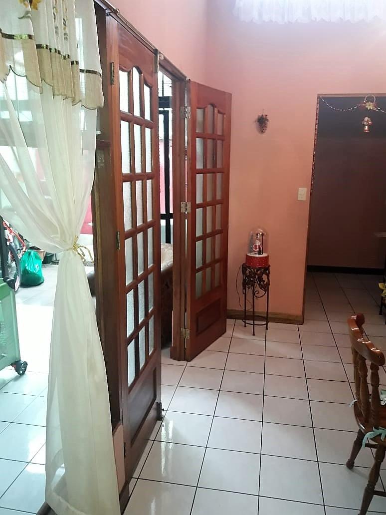 rebajada!!! casa en alajuela con 3 habitaciones