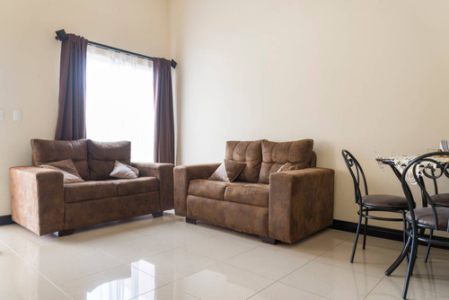 rebajada - casa en venta de 3 cuartos, 2 baños en residen