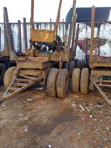 reboque para tora de madeira