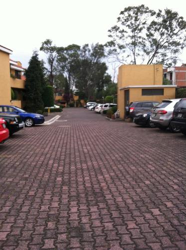 recamara amueblada 1 o 2 personas baño y estacionamiento