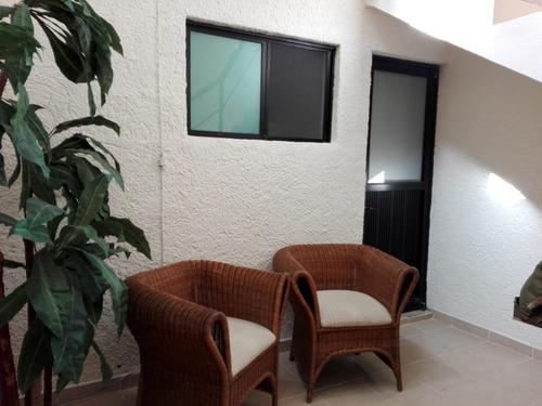 recamara estudio habitacion a 5 min de plaza del sol y expo