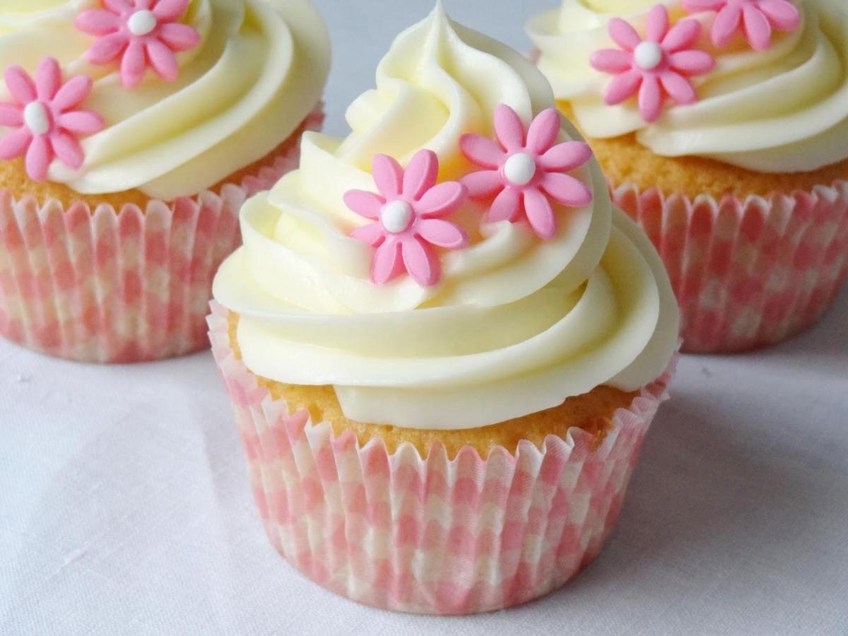 Recetario de cupcakes tecnica de relleno y topping for Decoracion en cupcakes
