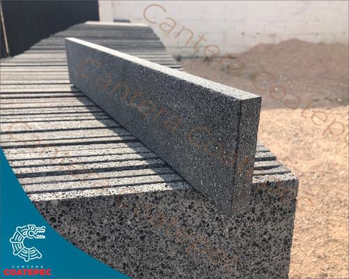 recinto negro laminado-piedra de cantera medida 60 x 10 x 2