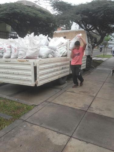 recojo de desmonte y eliminación de malezas