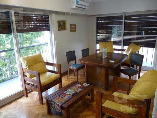 recoleta. departamento 3 ambientes con balcón. alquiler temporario sin garantías.