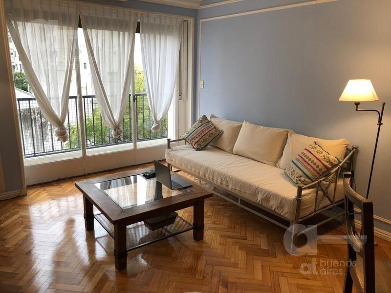 recoleta. departamento 4 ambientes con balcón y dependencia. alquiler temporario sin garantías.