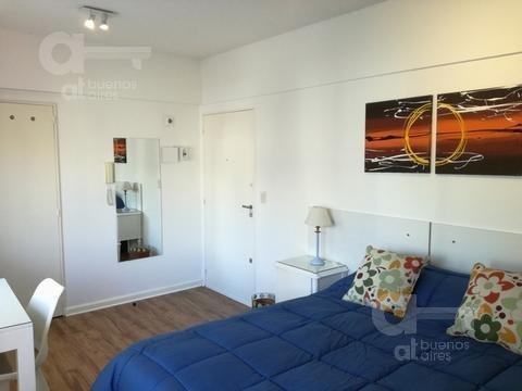 recoleta. moderno loft con gran vista abierta. alquiler temporario sin garantías.