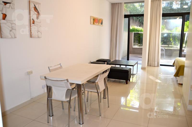 recoleta. moderno loft con terraza y amenities. alquiler temporario sin garantías.