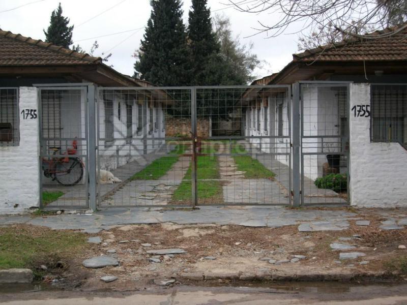 reconquista 1700 - luis guillón - esteban echeverría
