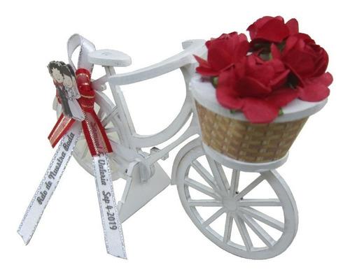 recordatorio bicicleta para matrimonio en madera blanca