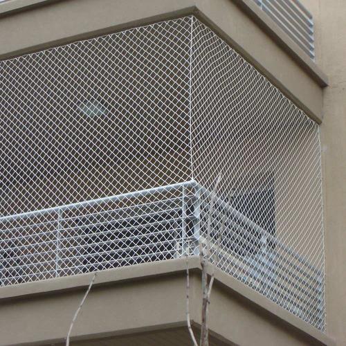 red balcon seguridad