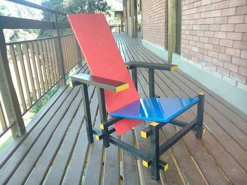 red & blue chair poltrona cadeira