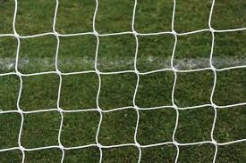 red perimetral cerramiento cancha futbol rombos de 10x10 cm