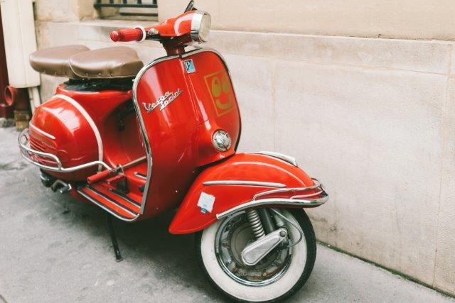 Luca Summers Red-vintage-vespa-sprint-scooter-ii-lamina-de-50-x-40-cm-D_NQ_NP_887538-MLA27818900881_072018-F