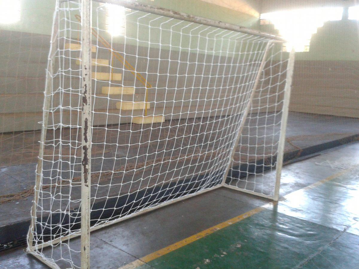 Rede De Futsal Seda 2mm Nó Duplo Reforço (par) Frete Gratis - R  98 ... 99a183329bf6b