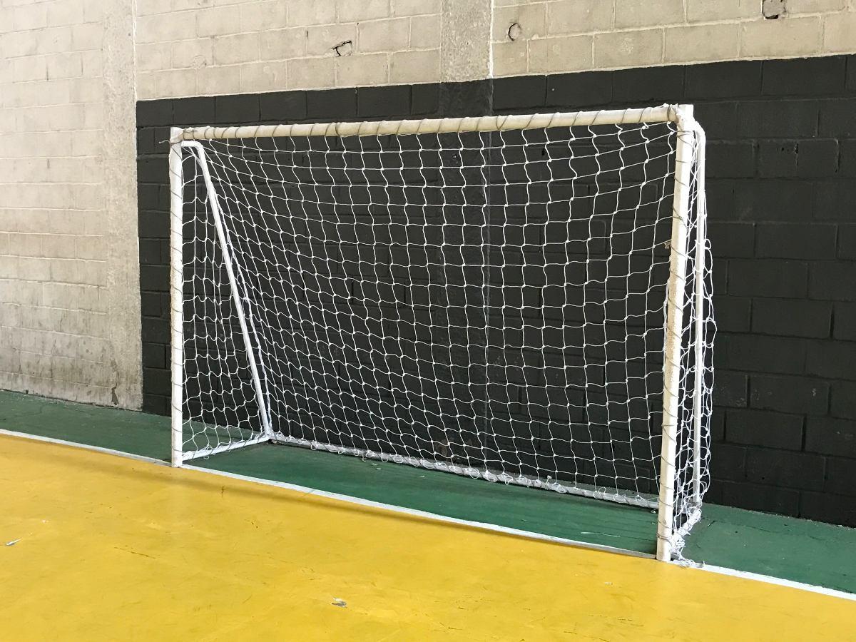 Rede Para Futebol De Salão (futsal) Fio 5mm - Nó Duplo - R  180 53a8ef1d8845a