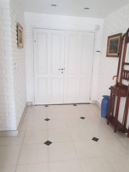 reed vende 3 habitaciones mas dependencia, pileta.