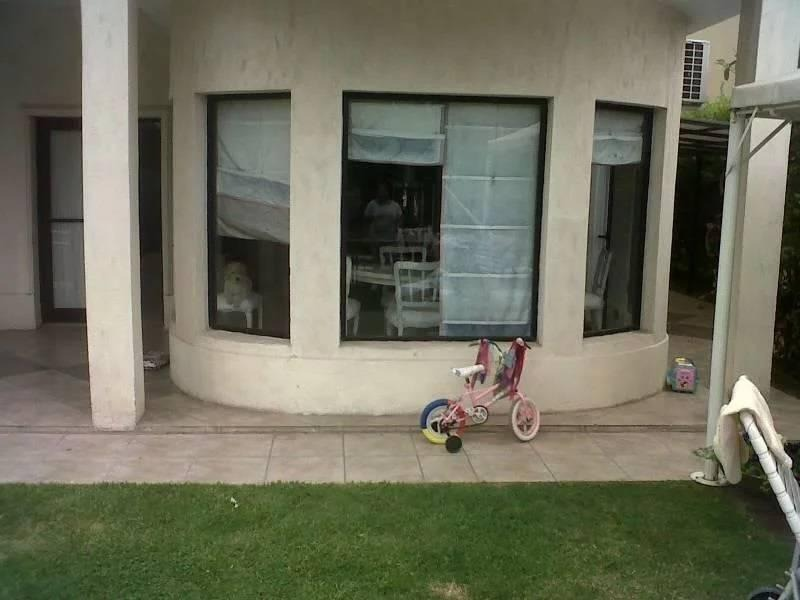 reed vende casa estilo frances 4 dorm. pileta