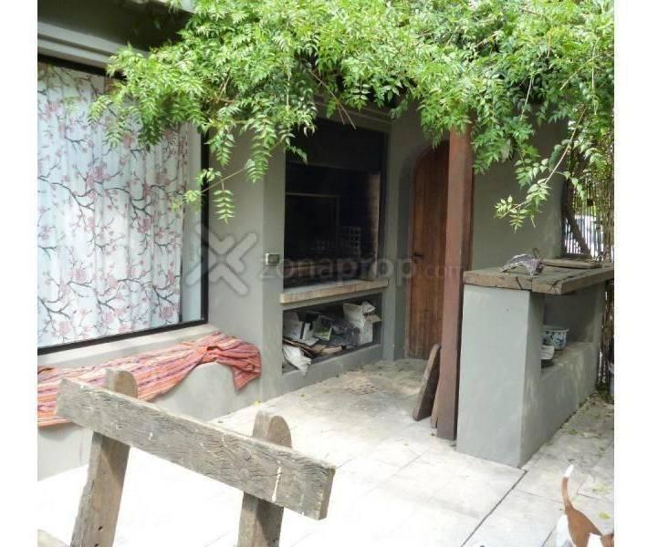 reed vende hermosa casa estilo campo.