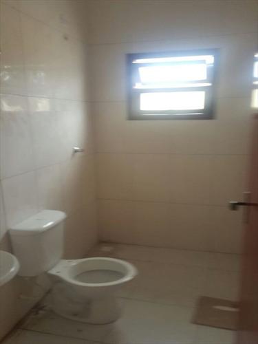 ref.: 105 - casa em itanhaem, no bairro jd magalhaes - 2 dormitórios