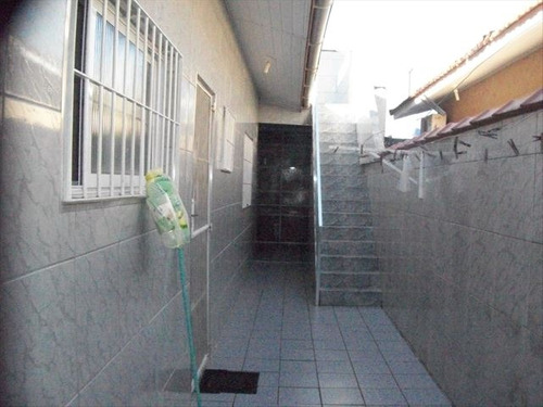 ref.: 1233300 - casa em praia grande, no bairro maracanã - 2 dormitórios