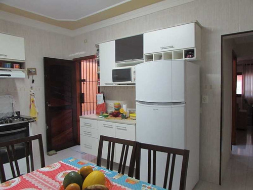 ref 12811 -casa isolada 2 dorm - 5 vagas - -lado praia-financia - v12811