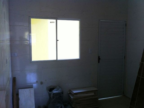 ref.: 151888900 - casa em praia grande, no bairro antartica - 2 dormitórios