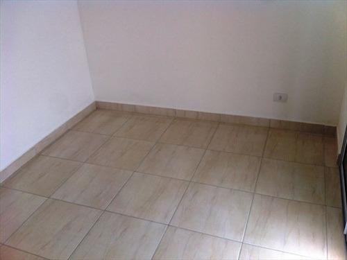 ref.: 151942800 - casa em praia grande, no bairro nova mirim - 2 dormitórios