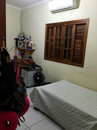 ref.: 151986900 - casa em praia grande, no bairro aviacao - 3 dormitórios