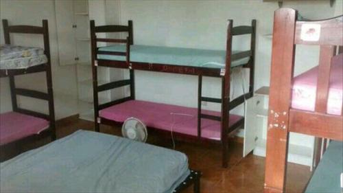 ref.: 1951 - casa em praia grande, no bairro maracana - 2 dormitórios