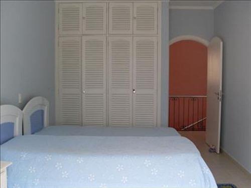 ref.: 197600 - casa em guaruja, no bairro jardim virginia - 5 dormitórios