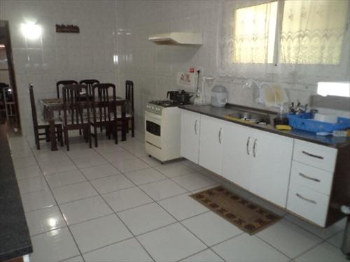 ref.: 202100500 - casa em praia grande, no bairro guilhermina - 2 dormitórios