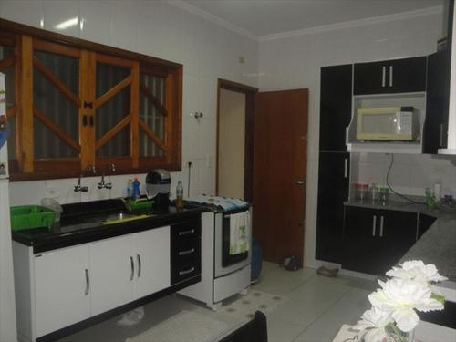 ref.: 202106500 - casa em praia grande, no bairro aviacao - 2 dormitórios
