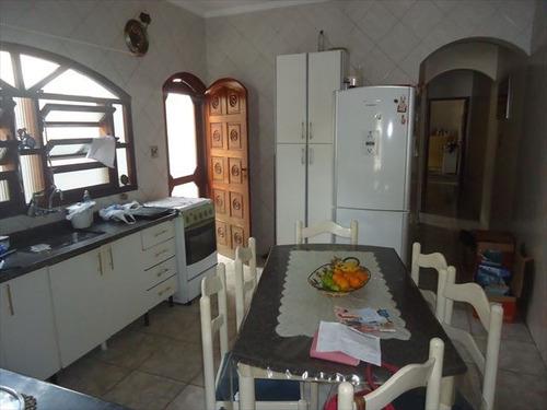 ref.: 202108701 - casa em praia grande, no bairro vila sonia - 2 dormitórios
