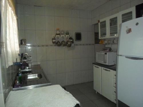 ref.: 202113000 - casa em praia grande, no bairro samambaia - 2 dormitórios