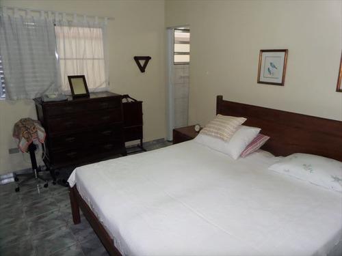 ref.: 202117401 - casa em praia grande, no bairro boqueirao - 2 dormitórios