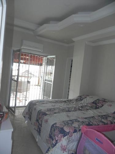 ref.: 202121504 - casa em praia grande, no bairro aviacao - 2 dormitórios