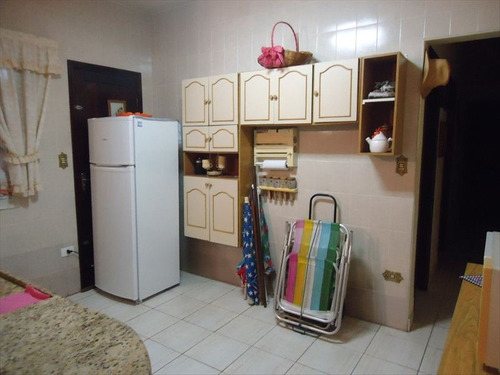 ref.: 202310504 - casa em praia grande, no bairro aviacao - 2 dormitórios