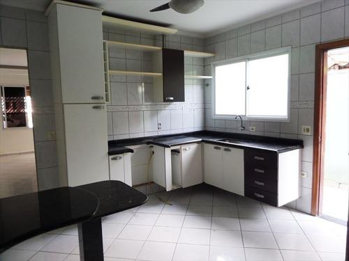 ref.: 20303101 - casa em praia grande, no bairro guilhermina - 3 dormitórios