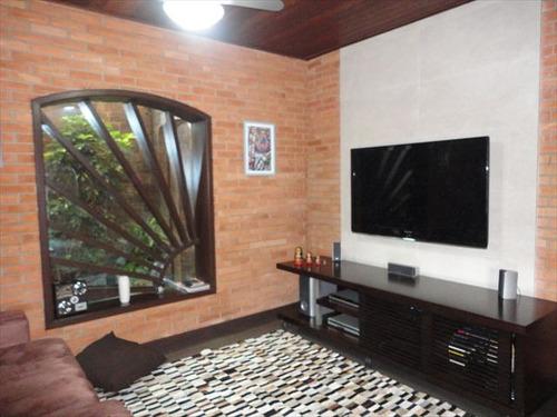ref.: 20358300 - casa em praia grande, no bairro tupi - 3 dormitórios