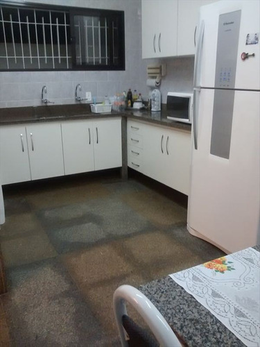 ref.: 20370704 - casa em praia grande, no bairro guilhermina - 3 dormitórios