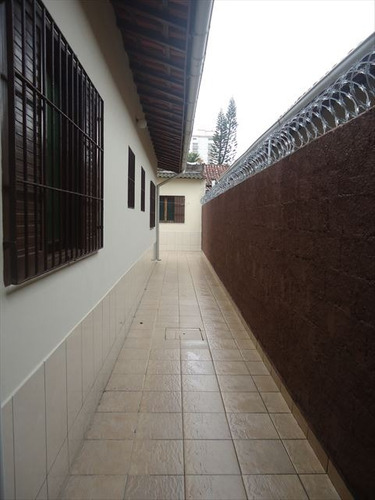 ref.: 20371901 - casa em praia grande, no bairro caicara - 3 dormitórios
