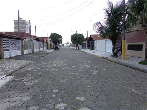 ref.: 26 - casa em praia grande, no bairro caicara - 3 dormitórios