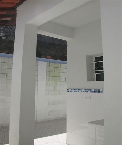 ref.: 37100 - casa em itanhaem, no bairro nossa sra do sion - 2 dormitórios