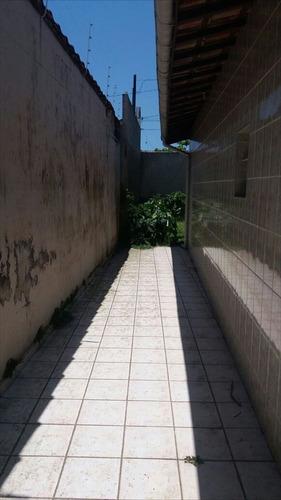 ref.: 43600 - casa em itanhaém, no bairro suarão - 2 dormitórios