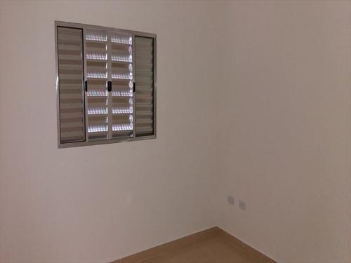ref.: 527 - casa em mongaguá, no bairro jussara - 2 dormitórios