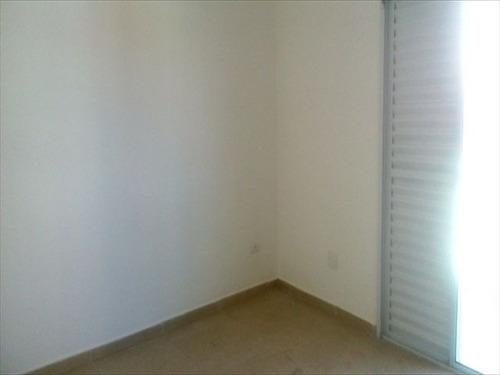 ref.: 5753 - casa em santos, no bairro encruzilhada - 2 dormitórios